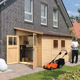 Karibu Gartenhaus Gerätehaus Morsum 19 mm (Abb. inkl. Zubehör: Fußboden, Anbaukombination und Dachschindeln)