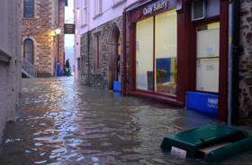 Hochwasserschutz Türe